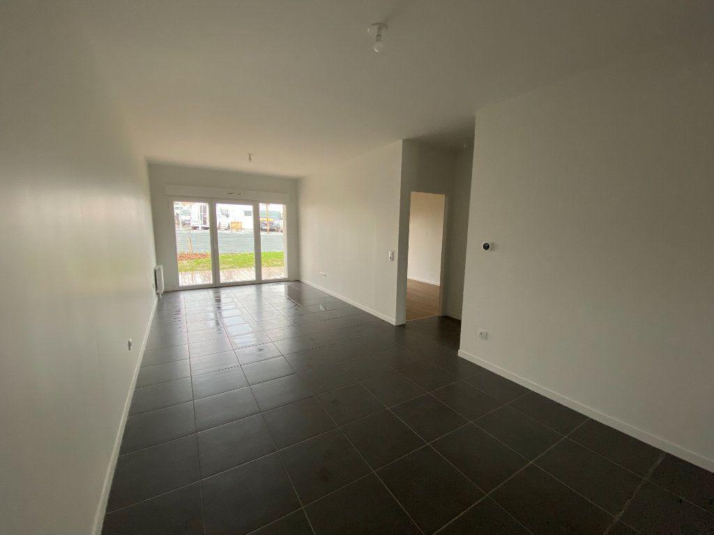 Appartement à louer 3 72.5m2 à Périgny vignette-1