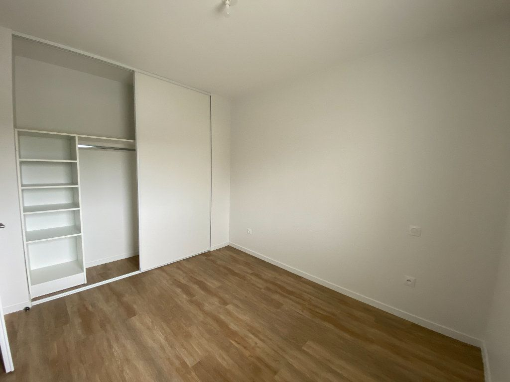 Appartement à louer 3 72.5m2 à Périgny vignette-3