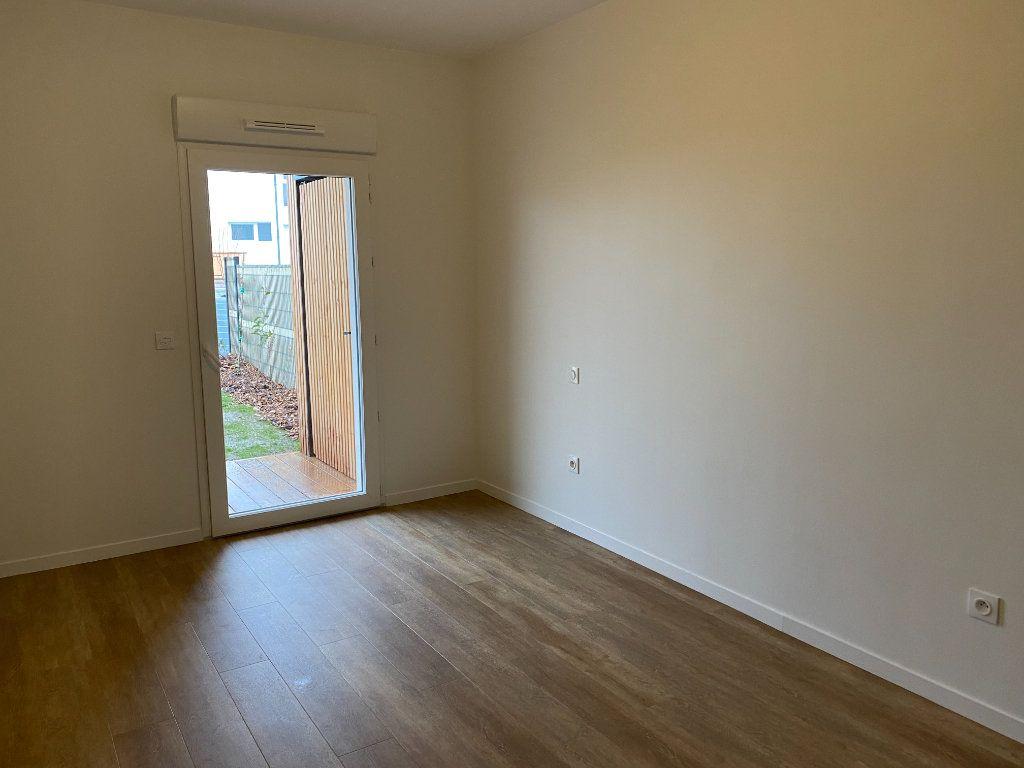 Appartement à louer 3 72.5m2 à Périgny vignette-4