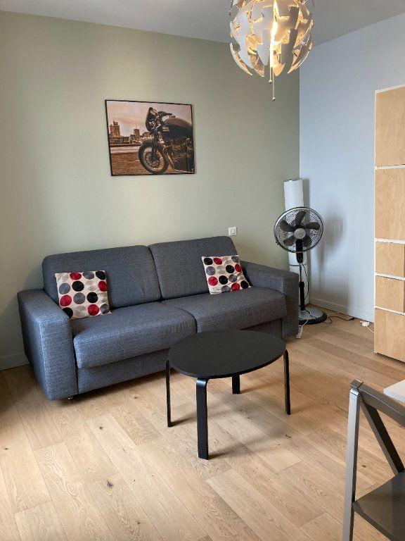 Appartement à louer 1 21m2 à La Rochelle vignette-1
