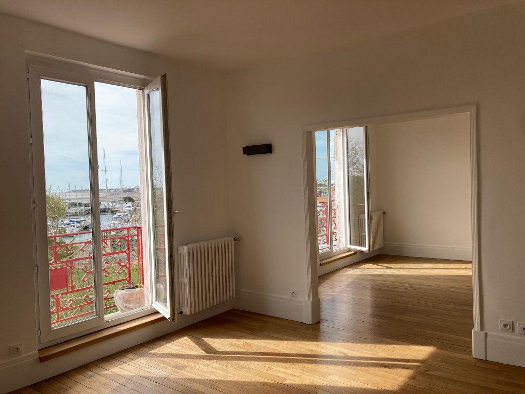 Appartement à louer 5 114m2 à La Rochelle vignette-1