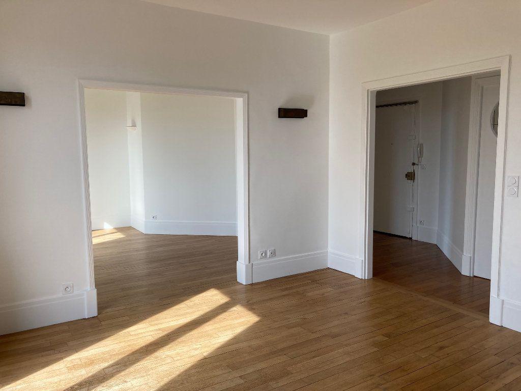 Appartement à louer 5 114m2 à La Rochelle vignette-3