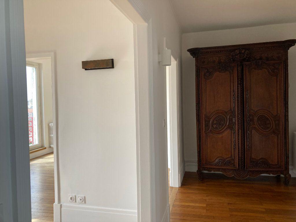 Appartement à louer 5 114m2 à La Rochelle vignette-11