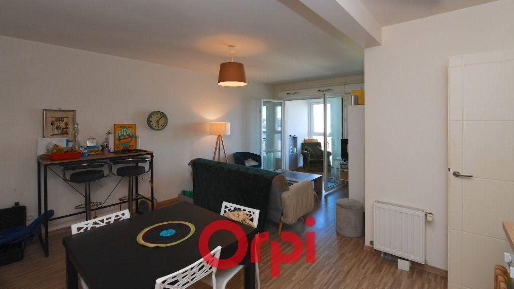 Appartement à vendre 3 67.8m2 à La Rochelle vignette-1