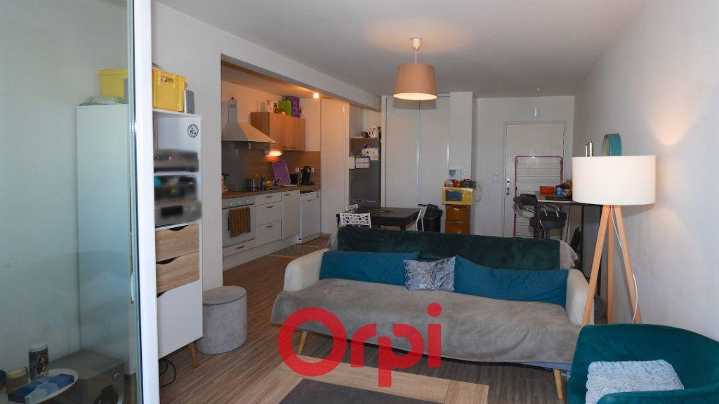Appartement à vendre 3 67.8m2 à La Rochelle vignette-2
