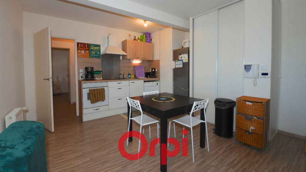 Appartement à vendre 3 67.8m2 à La Rochelle vignette-4