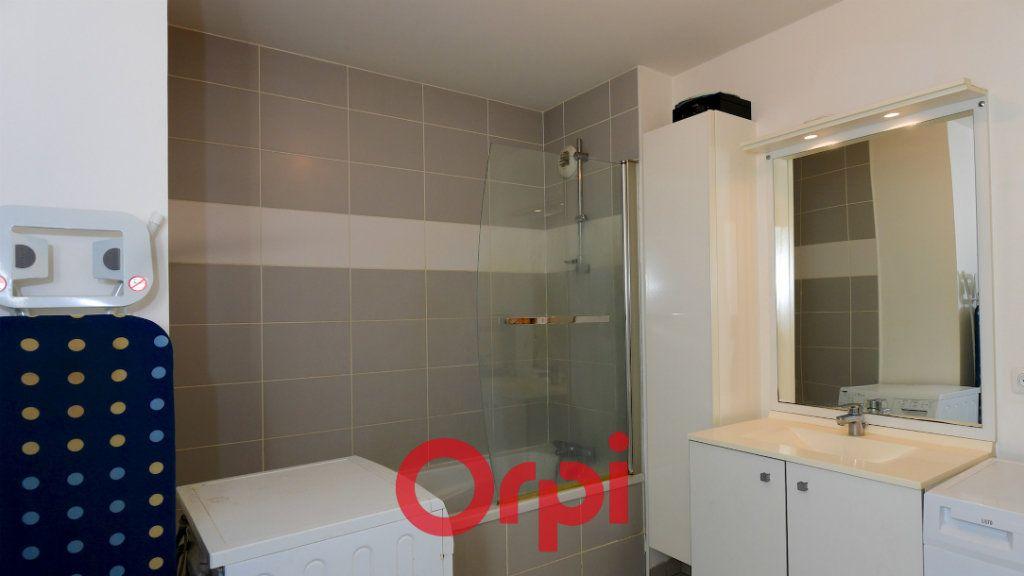 Appartement à vendre 3 67.8m2 à La Rochelle vignette-6