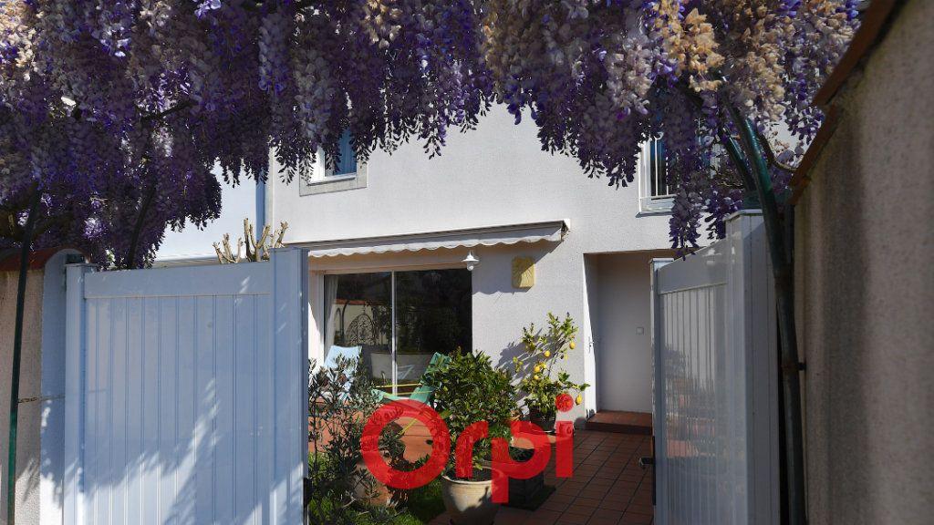 Maison à vendre 8 171m2 à La Rochelle vignette-10