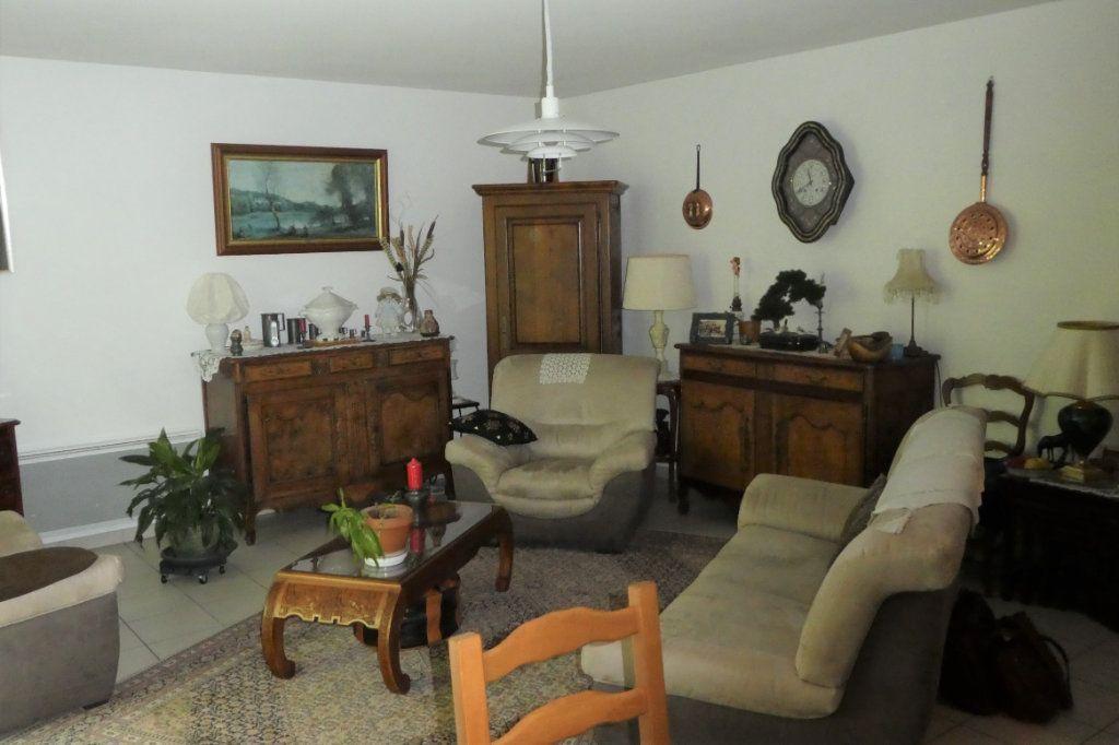 Appartement à vendre 3 71.06m2 à La Rochelle vignette-2