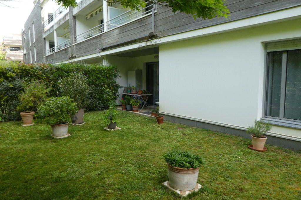 Appartement à vendre 3 71.06m2 à La Rochelle vignette-3
