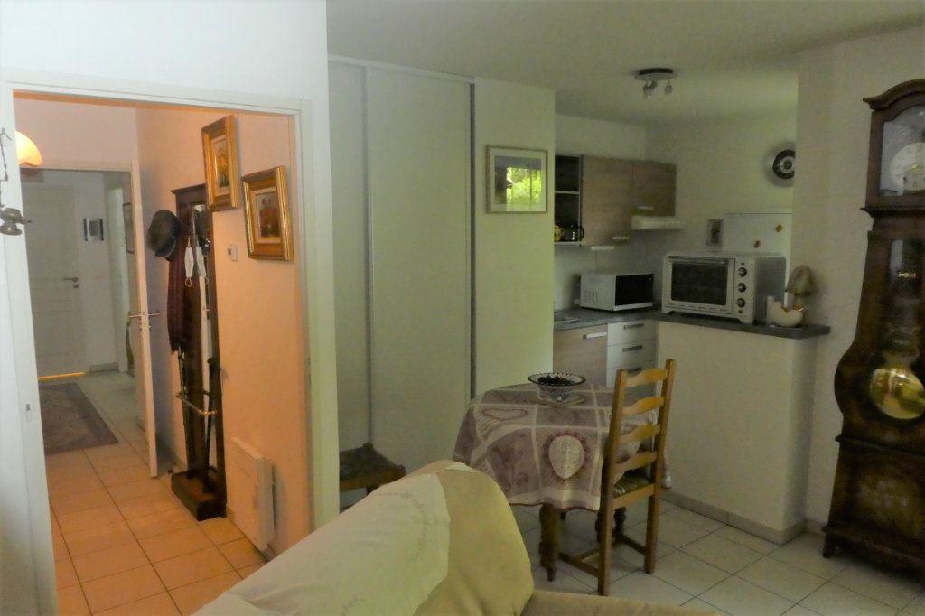 Appartement à vendre 3 71.06m2 à La Rochelle vignette-6