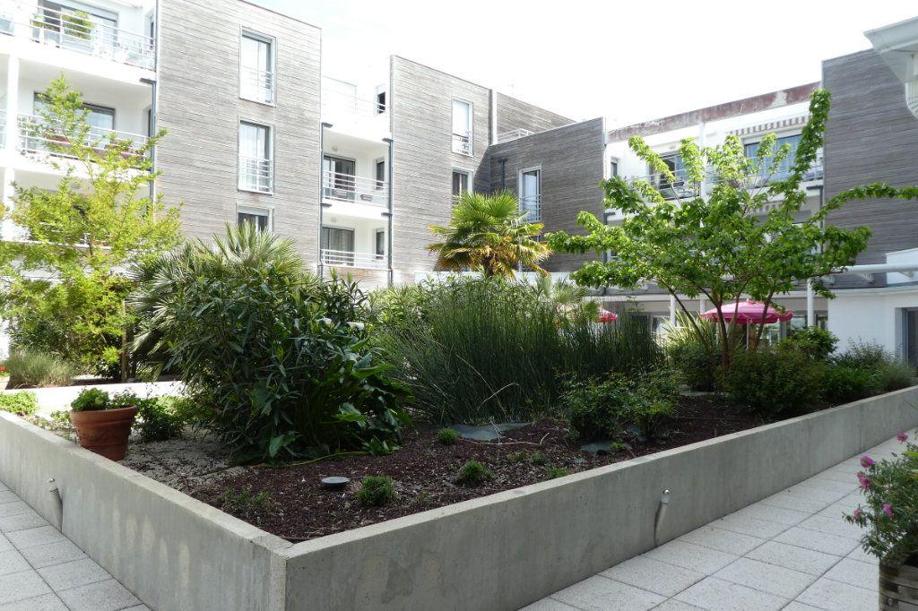 Appartement à vendre 3 71.06m2 à La Rochelle vignette-7