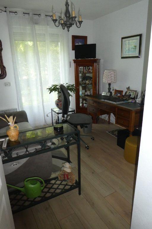 Appartement à vendre 3 71.06m2 à La Rochelle vignette-8