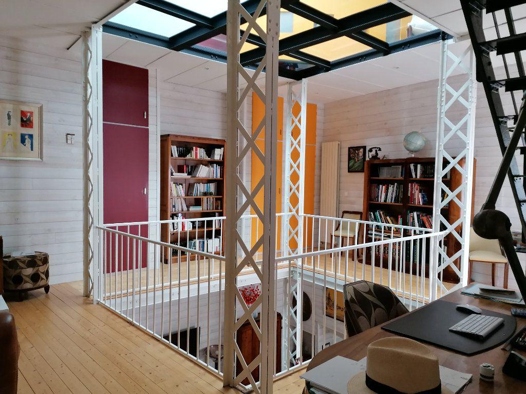 Appartement à vendre 5 177m2 à La Rochelle vignette-1