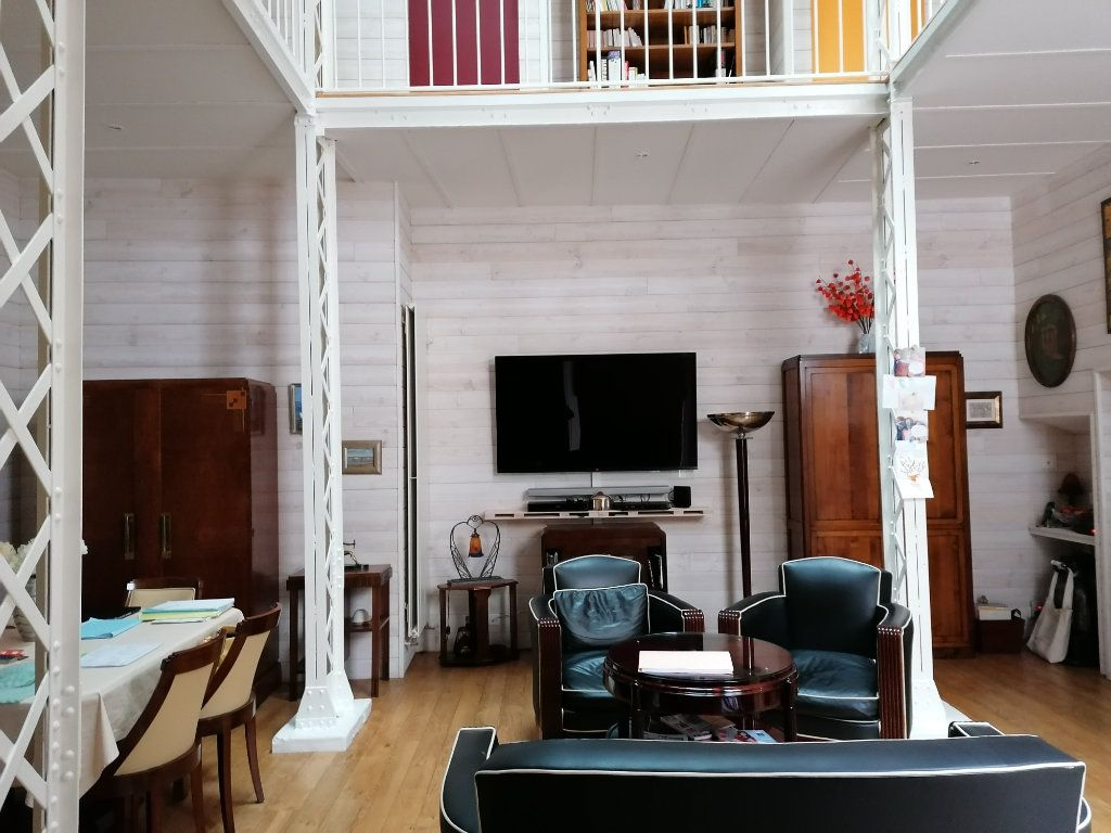 Appartement à vendre 5 177m2 à La Rochelle vignette-3
