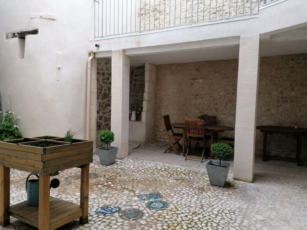 Appartement à vendre 5 177m2 à La Rochelle vignette-6