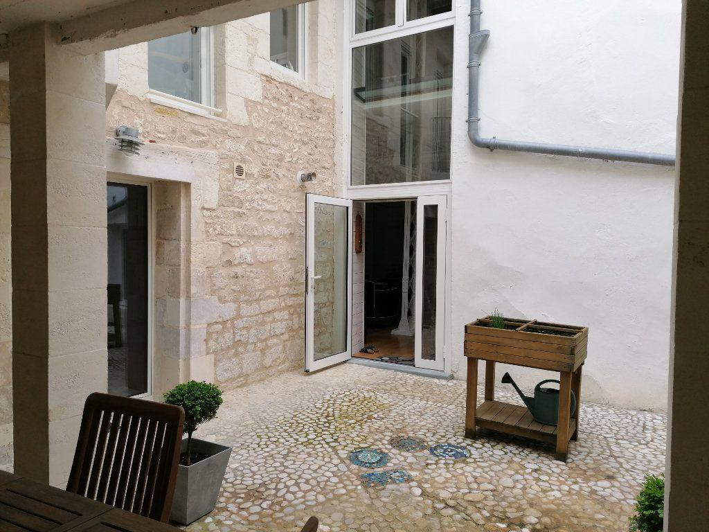 Appartement à vendre 5 177m2 à La Rochelle vignette-7
