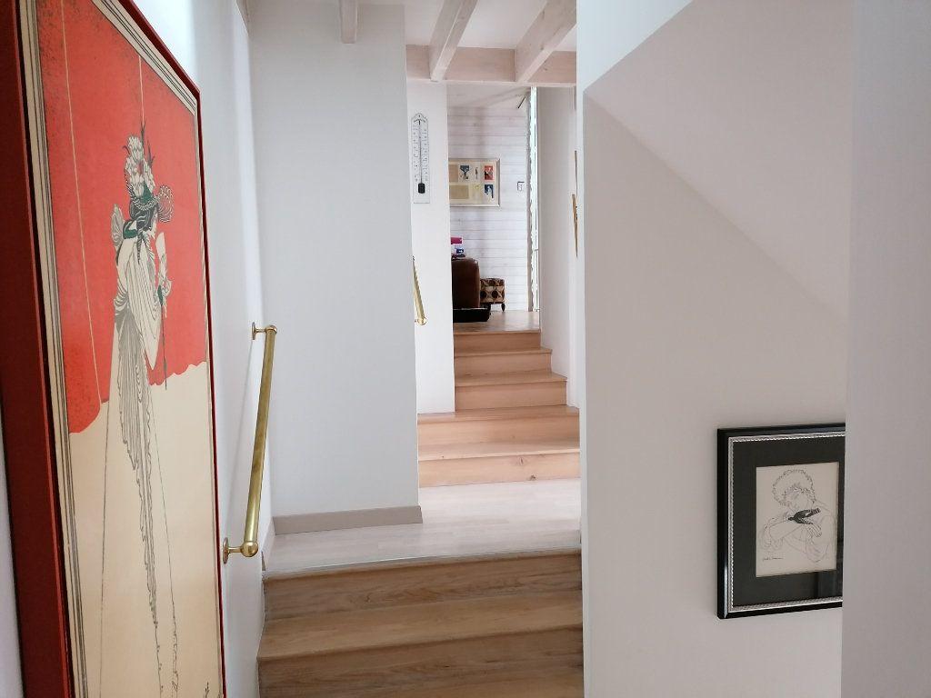 Appartement à vendre 5 177m2 à La Rochelle vignette-9
