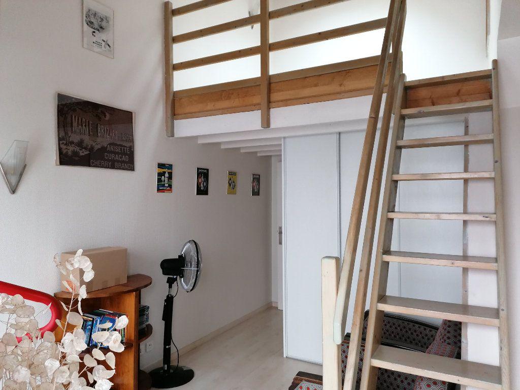 Appartement à vendre 5 177m2 à La Rochelle vignette-10