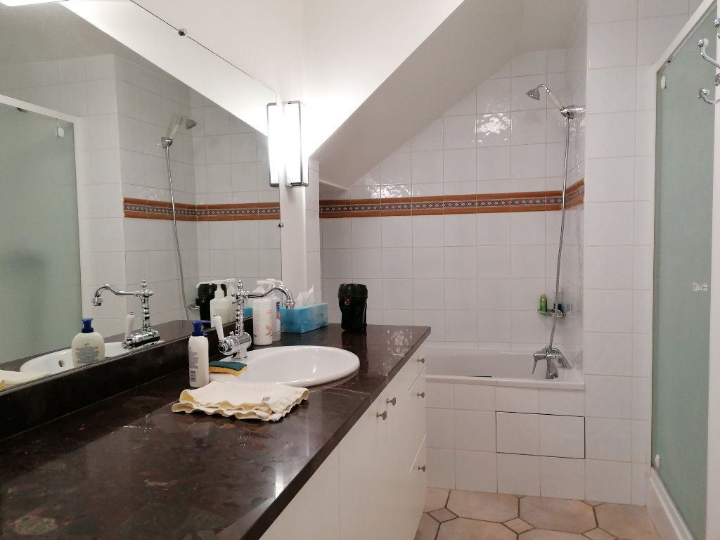 Appartement à vendre 5 177m2 à La Rochelle vignette-12