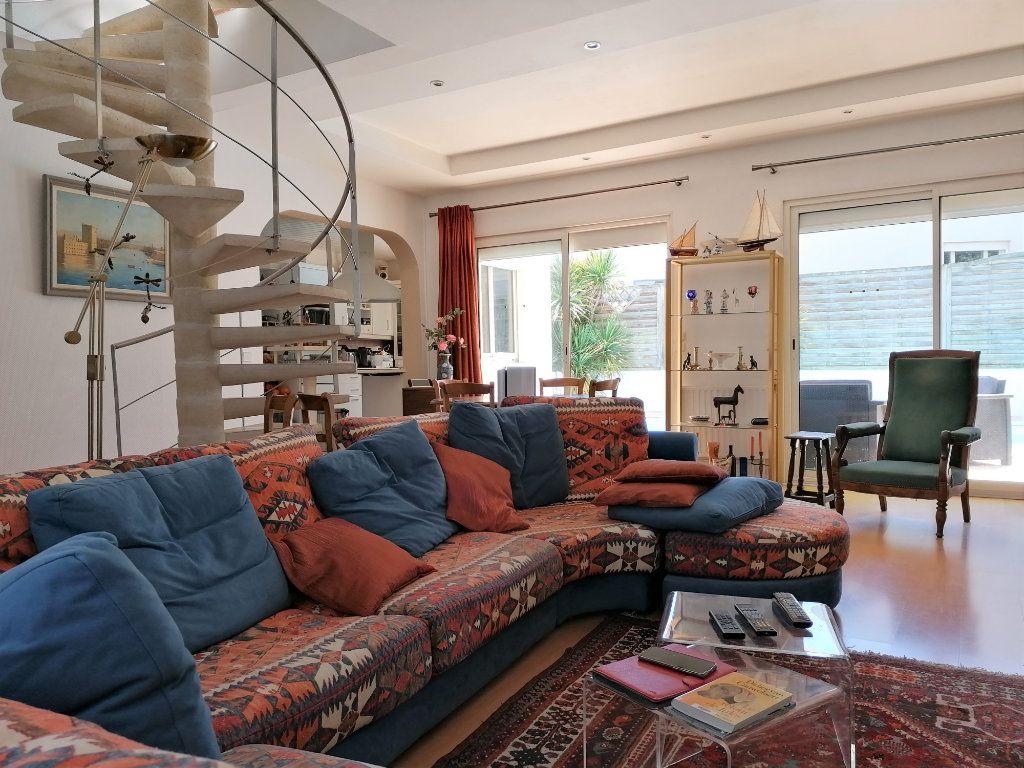 Maison à vendre 6 135m2 à La Rochelle vignette-2