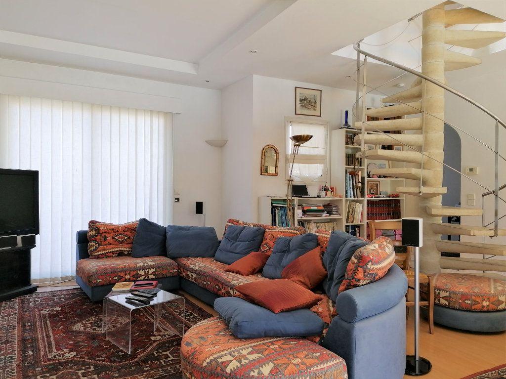 Maison à vendre 6 135m2 à La Rochelle vignette-3