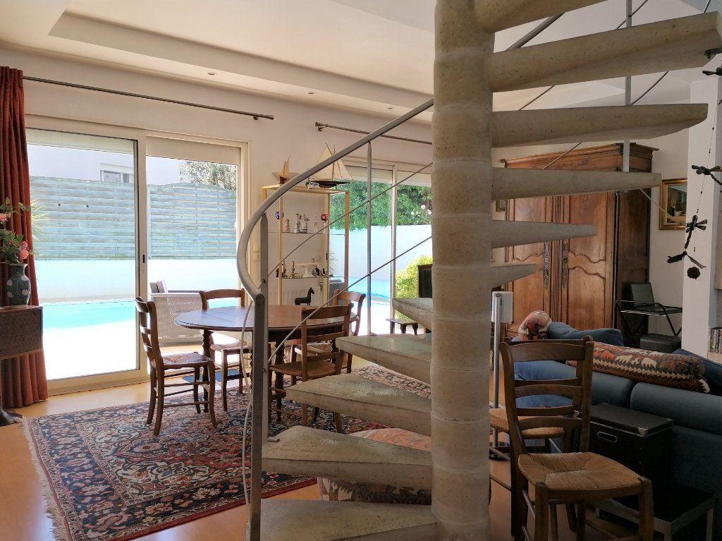 Maison à vendre 6 135m2 à La Rochelle vignette-4
