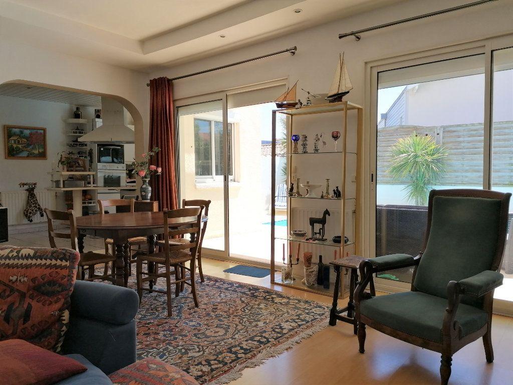 Maison à vendre 6 135m2 à La Rochelle vignette-5