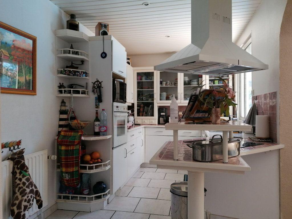 Maison à vendre 6 135m2 à La Rochelle vignette-6