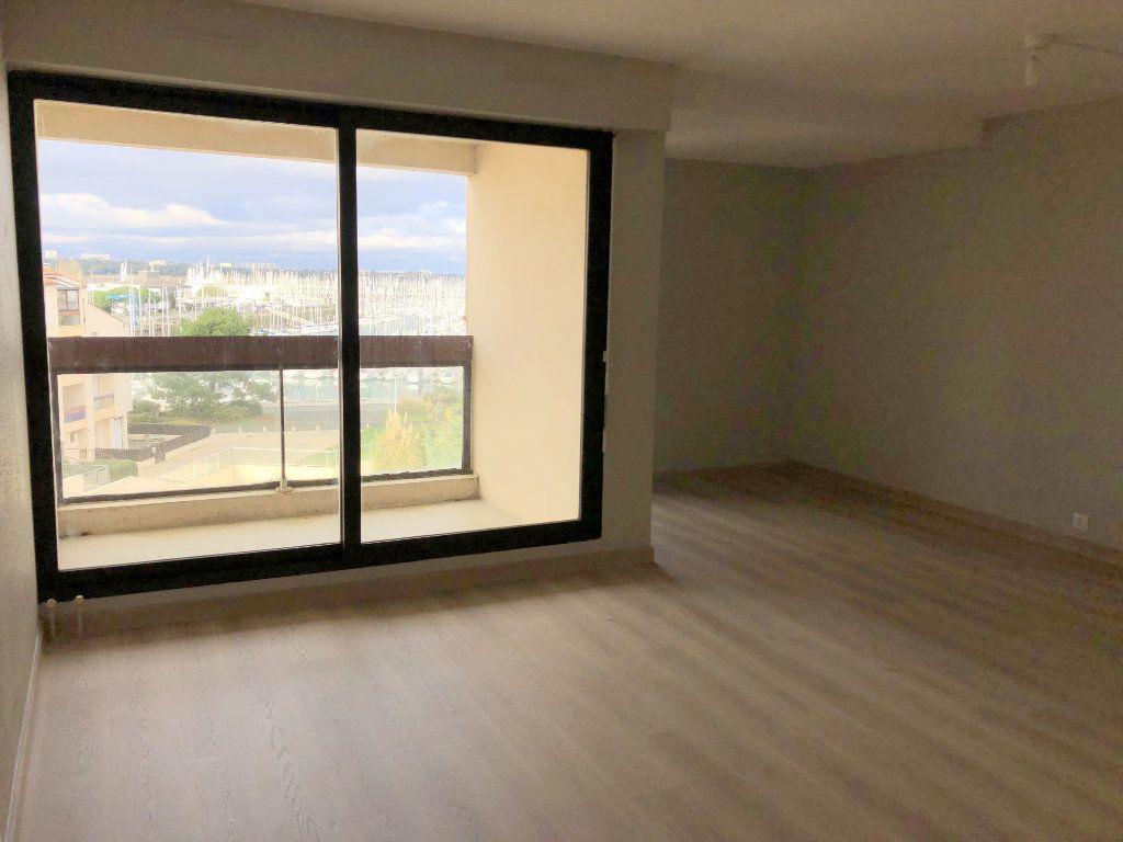 Appartement à louer 2 39.81m2 à La Rochelle vignette-1