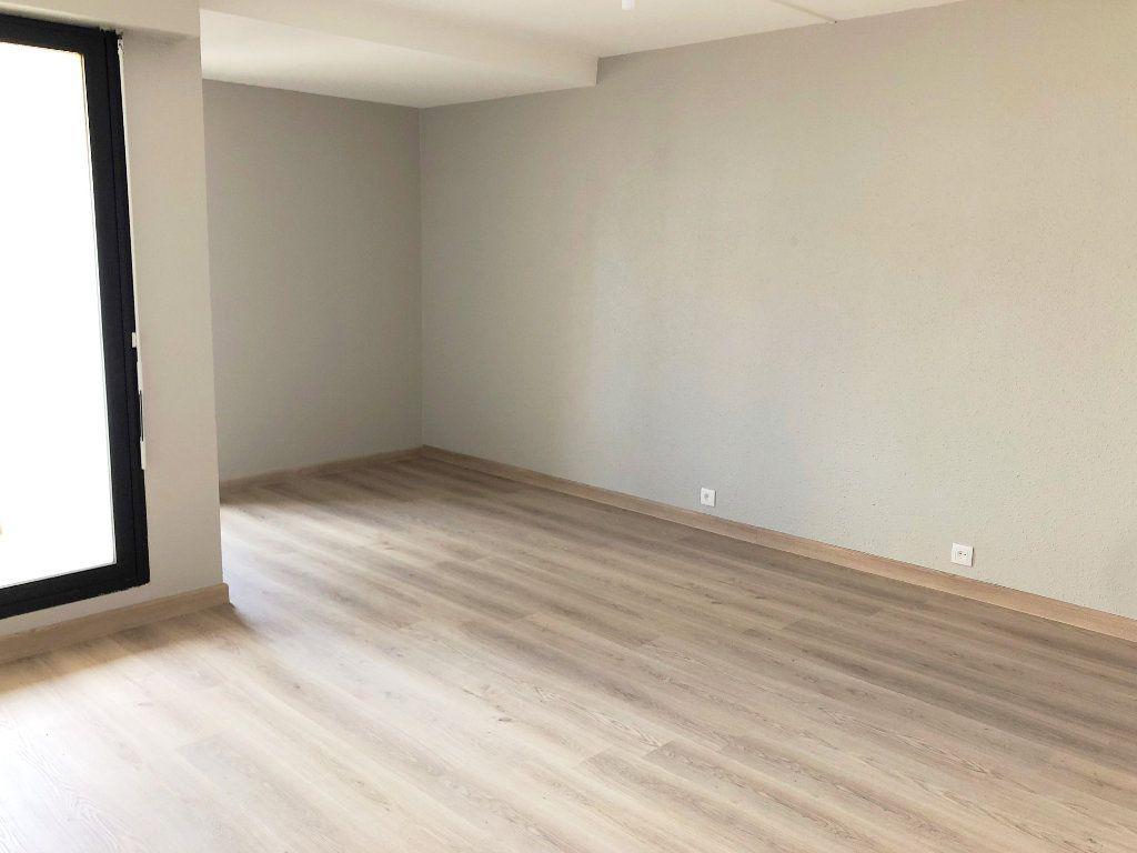 Appartement à louer 2 39.81m2 à La Rochelle vignette-2