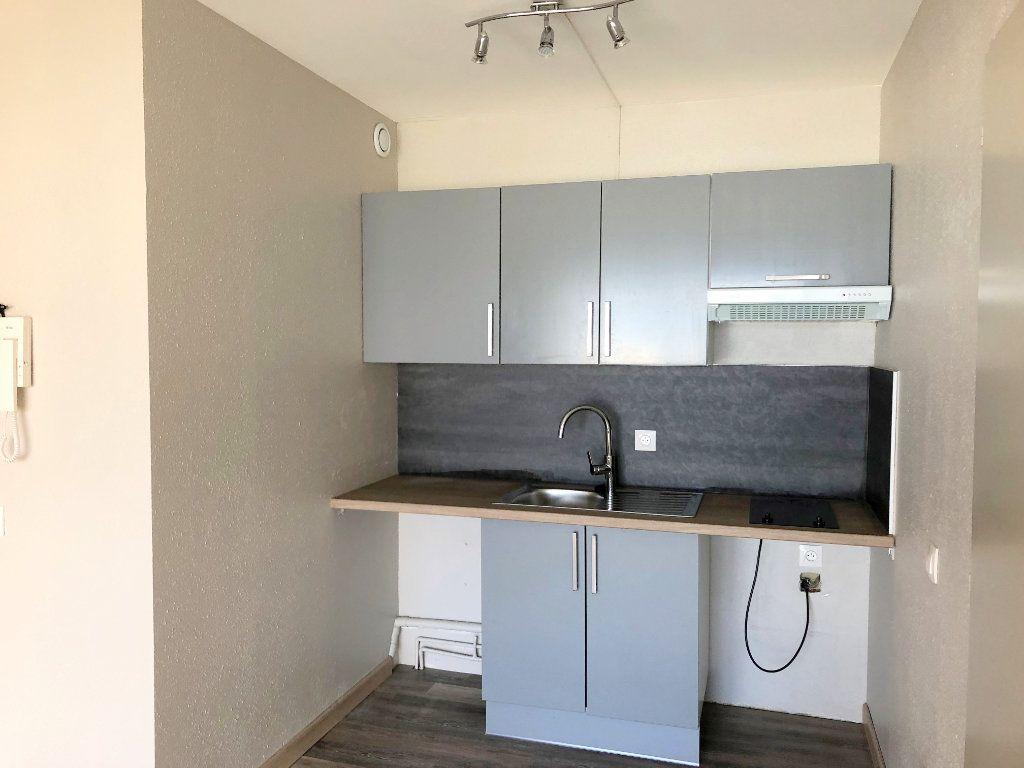 Appartement à louer 2 39.81m2 à La Rochelle vignette-3