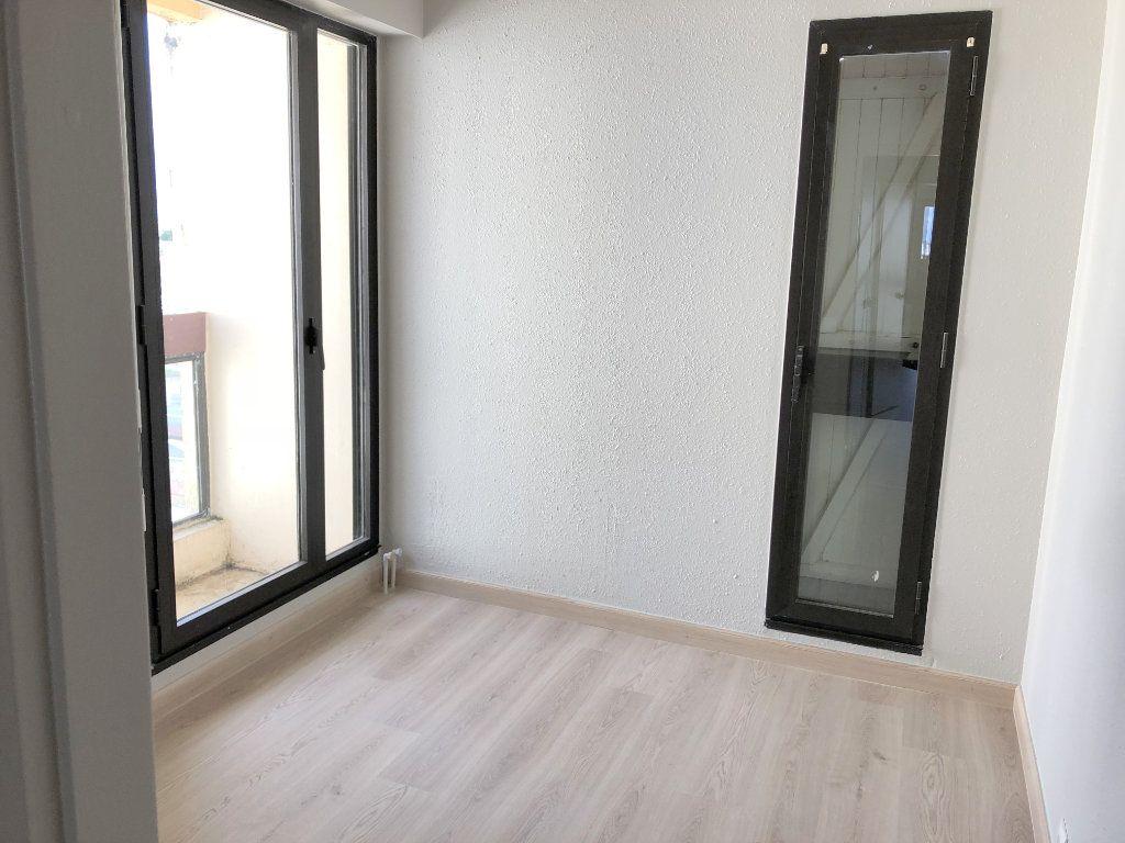 Appartement à louer 2 39.81m2 à La Rochelle vignette-4