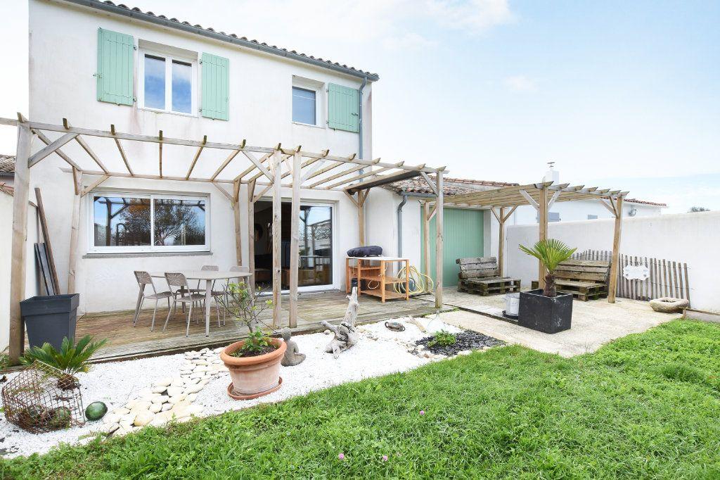 Maison à vendre 5 97.5m2 à La Couarde-sur-Mer vignette-1