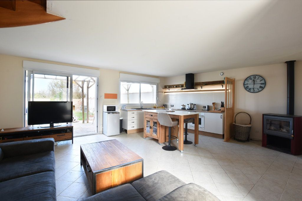 Maison à vendre 5 97.5m2 à La Couarde-sur-Mer vignette-3