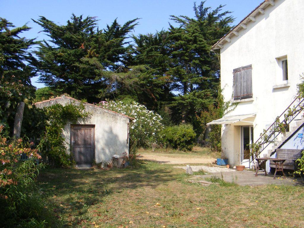 Maison à vendre 10 194.15m2 à Sainte-Marie-de-Ré vignette-2