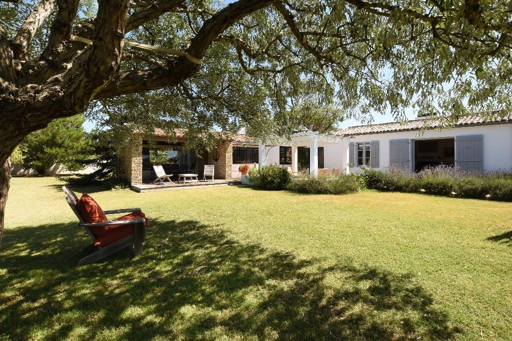 Maison à vendre 9 204.85m2 à Les Portes-en-Ré vignette-1