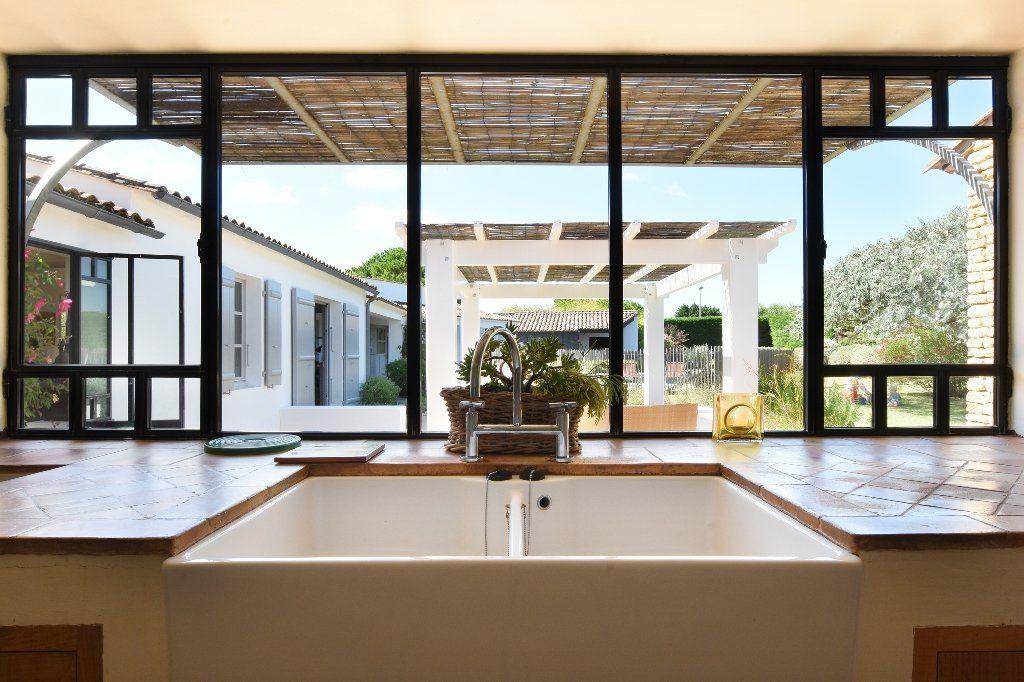 Maison à vendre 9 204.85m2 à Les Portes-en-Ré vignette-4