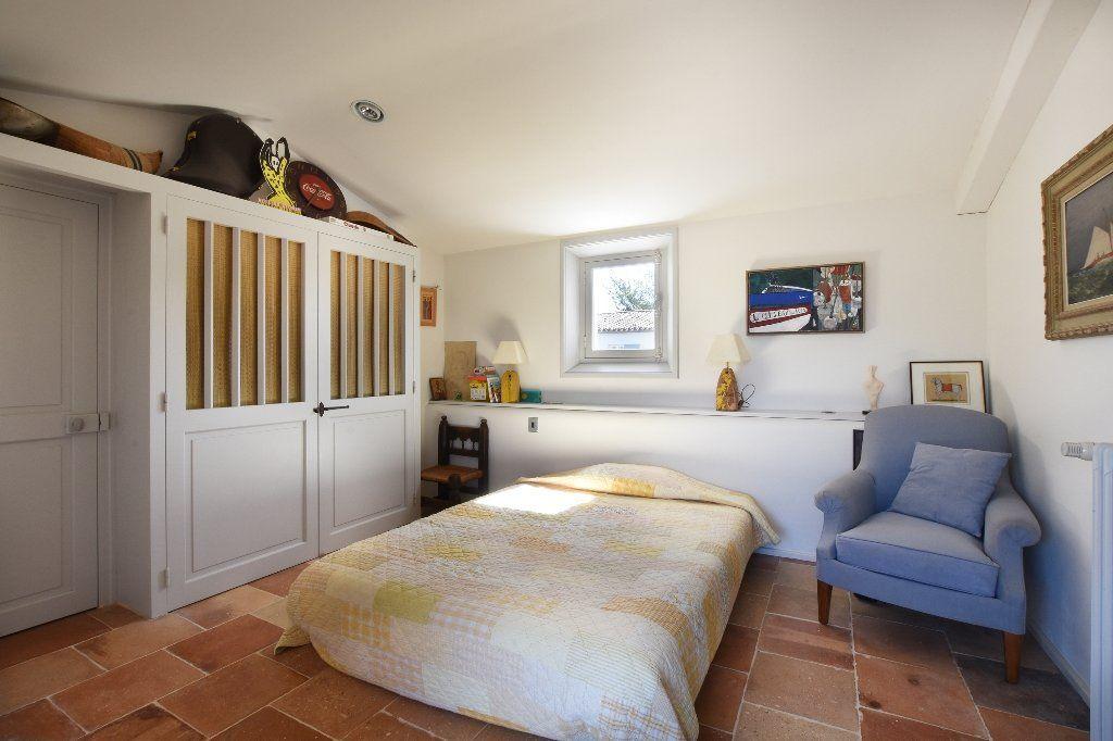 Maison à vendre 9 204.85m2 à Les Portes-en-Ré vignette-11
