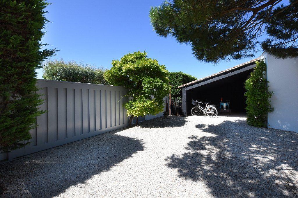 Maison à vendre 9 204.85m2 à Les Portes-en-Ré vignette-18