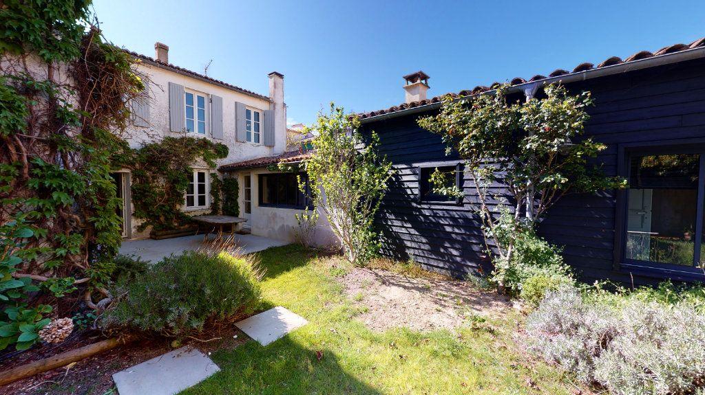 Maison à vendre 6 160m2 à La Couarde-sur-Mer vignette-1