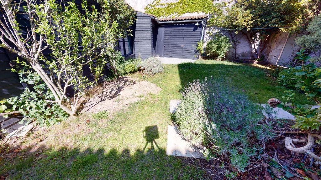Maison à vendre 6 160m2 à La Couarde-sur-Mer vignette-3