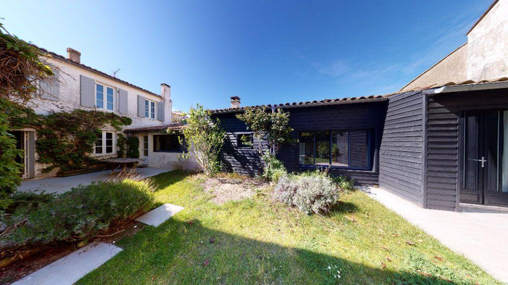 Maison à vendre 6 160m2 à La Couarde-sur-Mer vignette-17