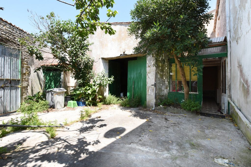 Maison à vendre 5 100m2 à Le Bois-Plage-en-Ré vignette-1