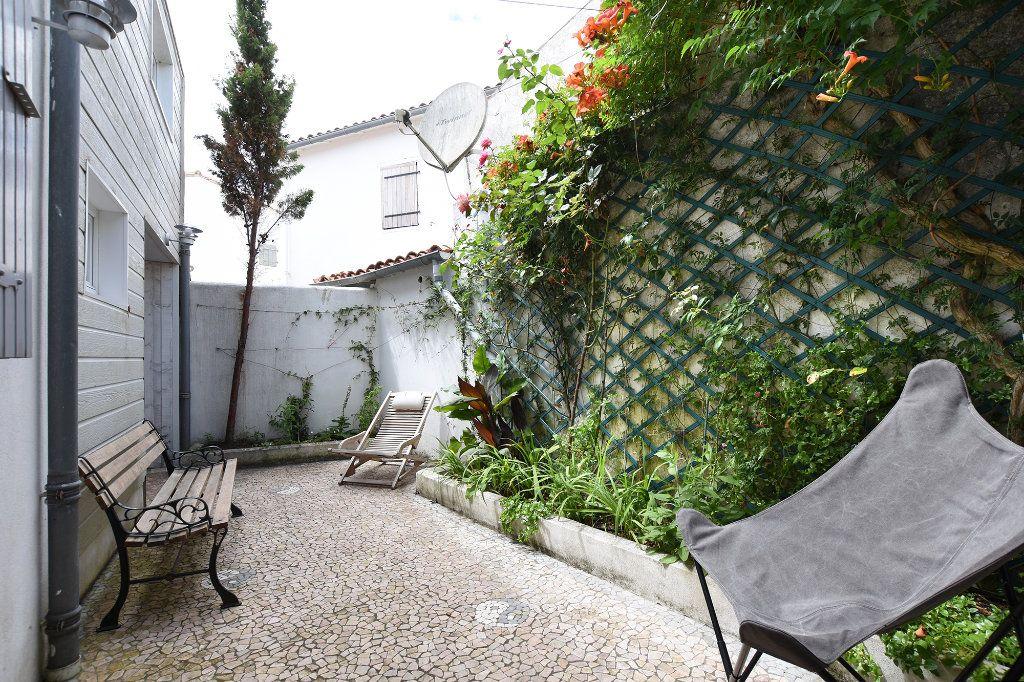 Maison à vendre 6 110m2 à Les Portes-en-Ré vignette-3