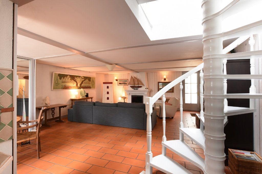 Maison à vendre 6 110m2 à Les Portes-en-Ré vignette-5