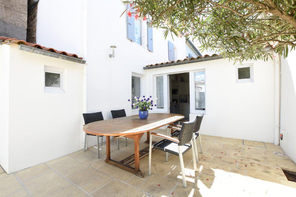 Maison à vendre 5 95.25m2 à La Couarde-sur-Mer vignette-1