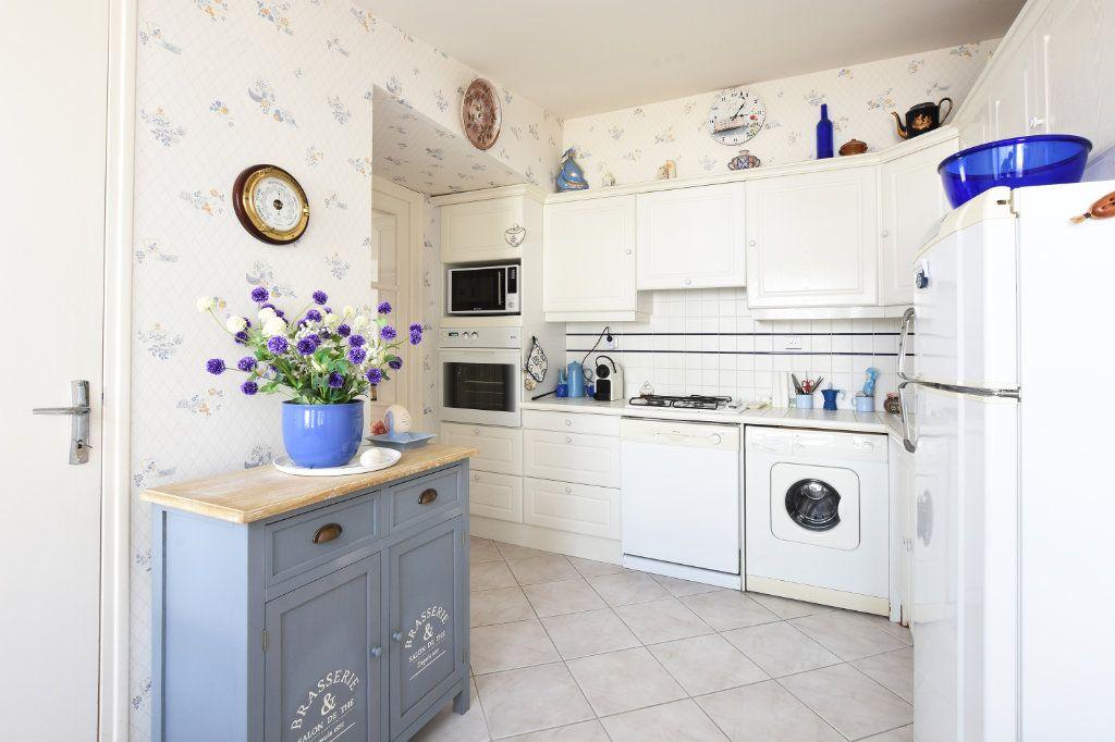 Maison à vendre 5 95.25m2 à La Couarde-sur-Mer vignette-5