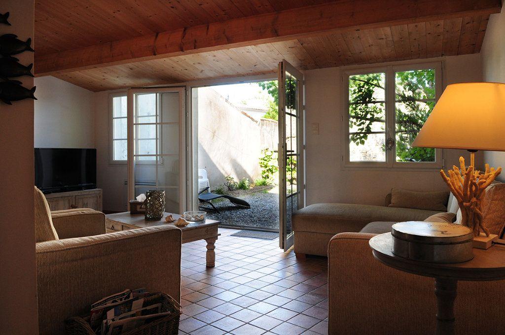 Maison à vendre 5 99m2 à La Couarde-sur-Mer vignette-4