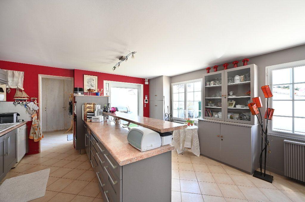Maison à vendre 5 148.43m2 à Les Portes-en-Ré vignette-10
